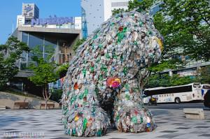 Скульптура из пластиковых бутылок Сеул