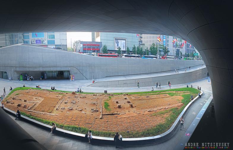 Dongdaemun History & Culture Park. Seoul Парк истории и культуры «Тондэмун», Сеул