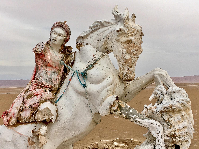 Скульптуры в Пустыне Сахара